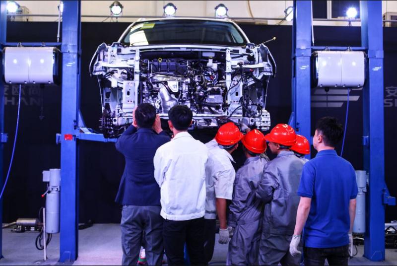 长安欧尚X7直播拆车,国产车用料竟然是这样 汽车殿堂